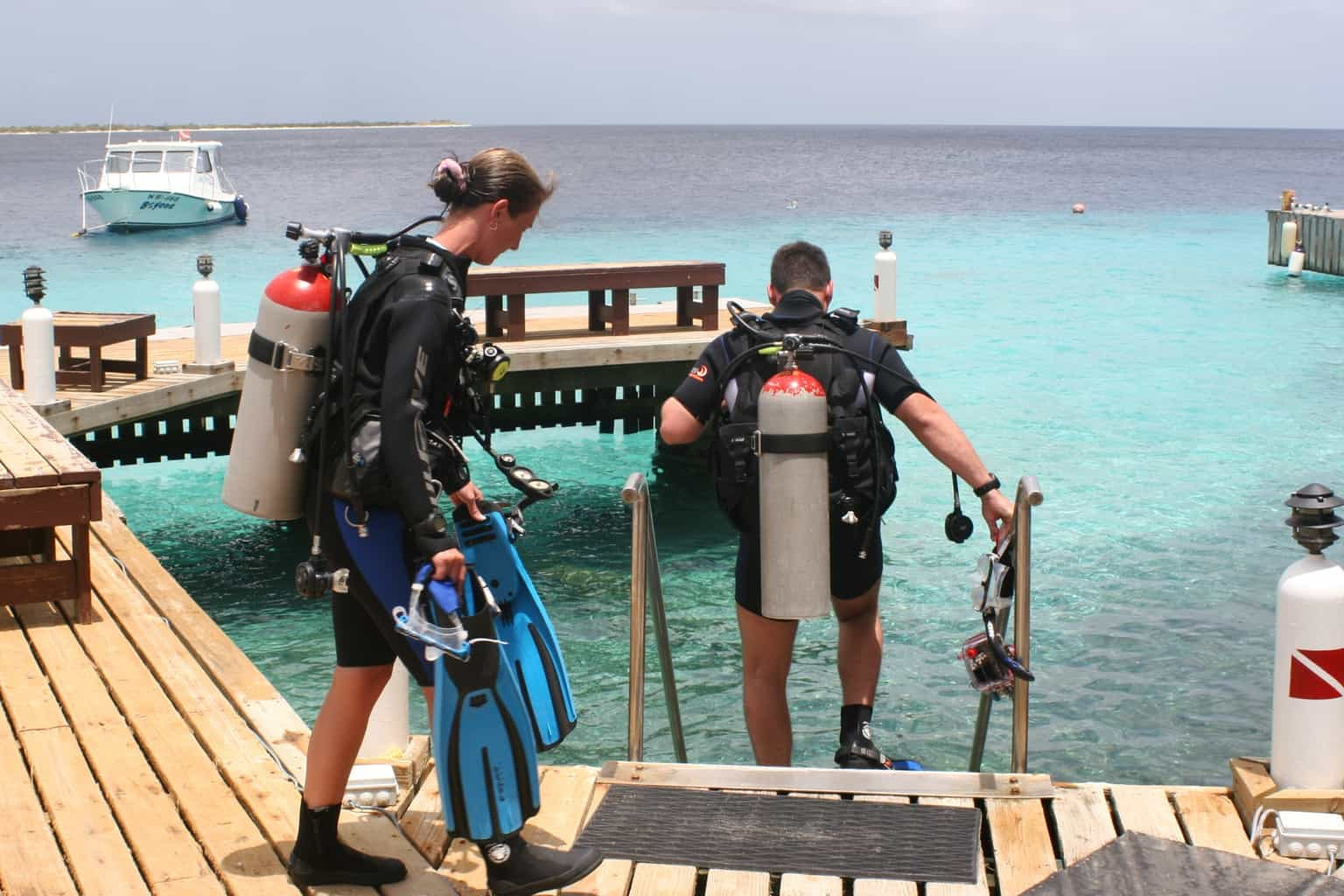 Bonaire Diving holiday BUDDY DIVE RESORT divers