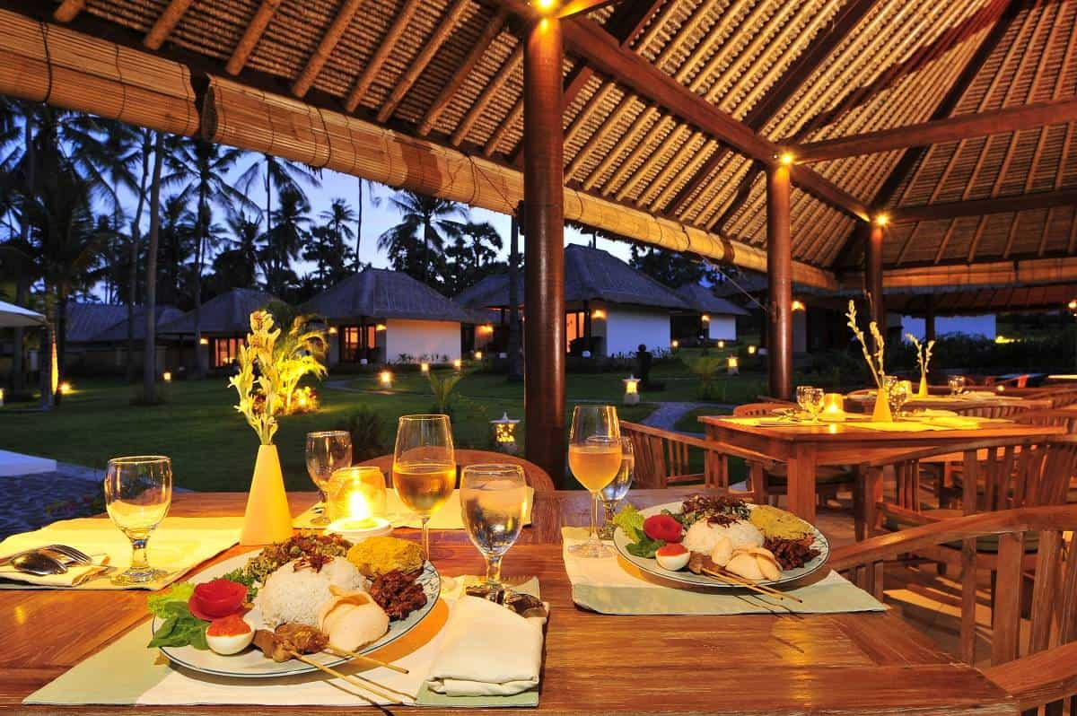 Indonesia Bali Diving holidays Kubu Indah Restaurant night