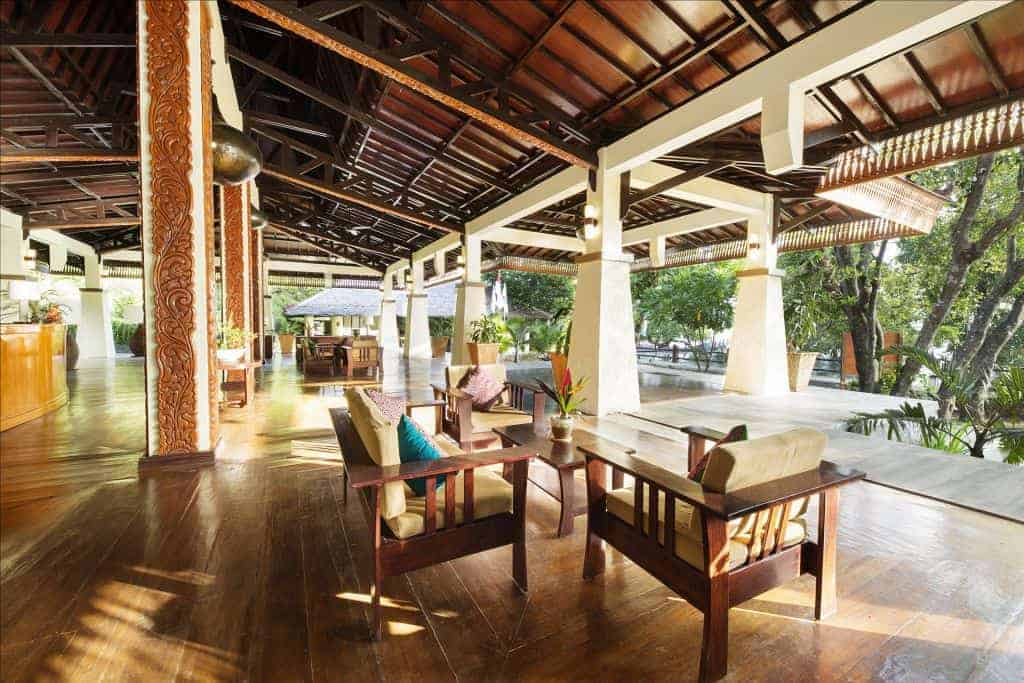 Indonesia Diving Holiday North Sulawesi Bunaken Oasis lobby