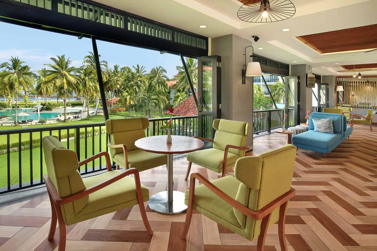 Indonesia Diving Holiday North Sulawesi Mercure Manado Lounge