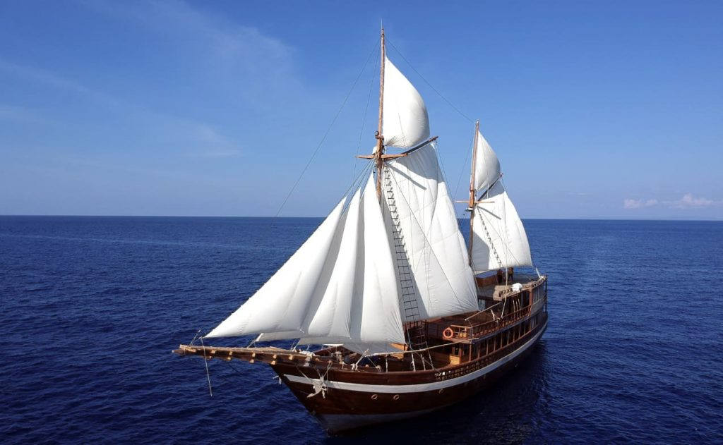 Indonesia liveaboard Diving holidays Coralia Liveaboard