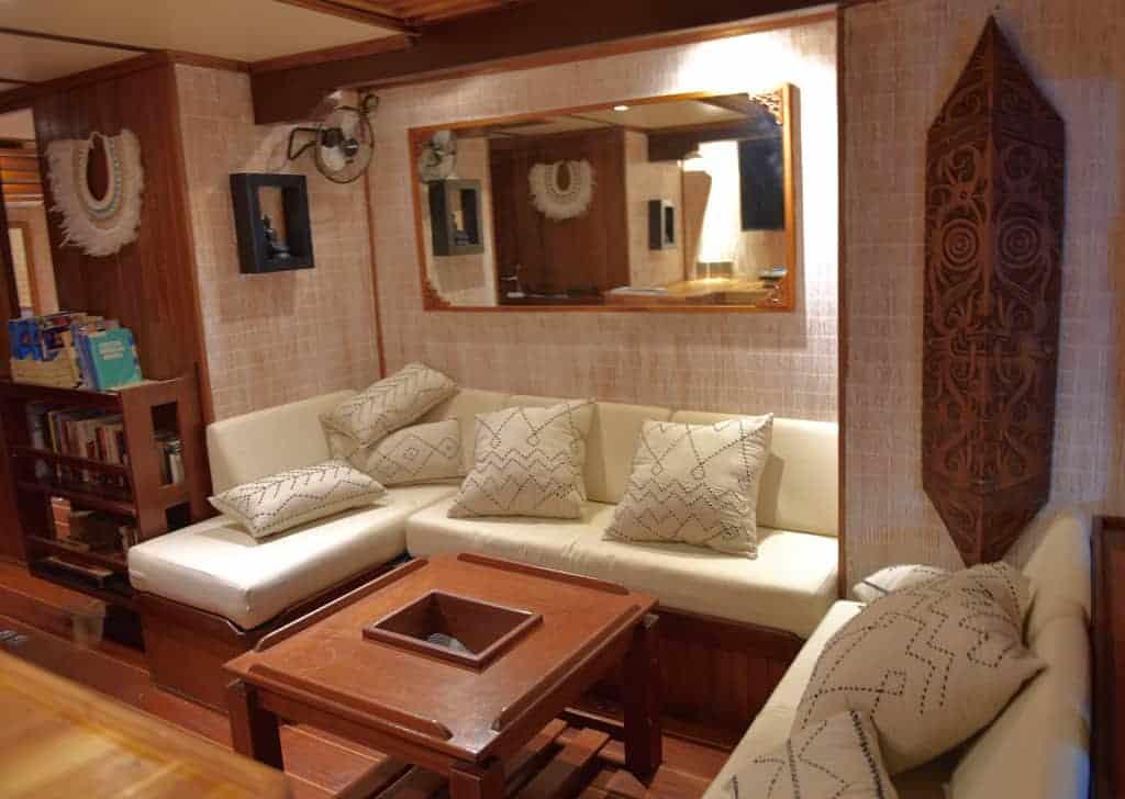 Indonesia liveaboard Diving holidays Emperor Raja Lounge