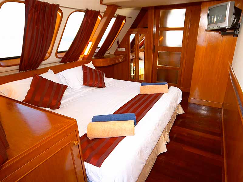 Indonesia liveaboard Diving holidays Mermaid double cabin