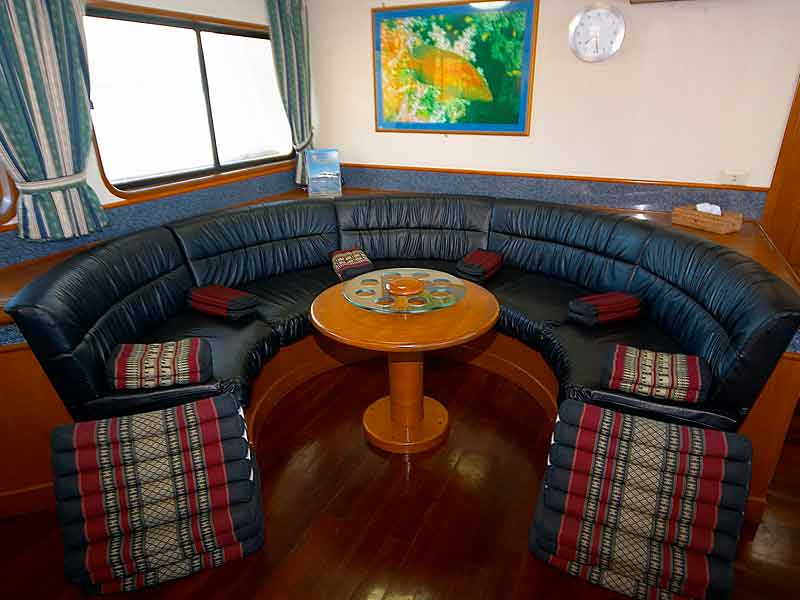 Indonesia liveaboard Diving holidays Mermaid one lounge