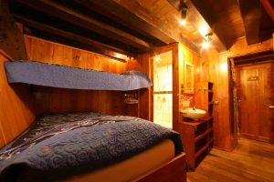 Indonesia liveaboard Diving holidays Pindito Cabin Twin Cabin