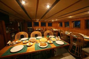 Indonesia liveaboard Diving holidays Pindito Dining room