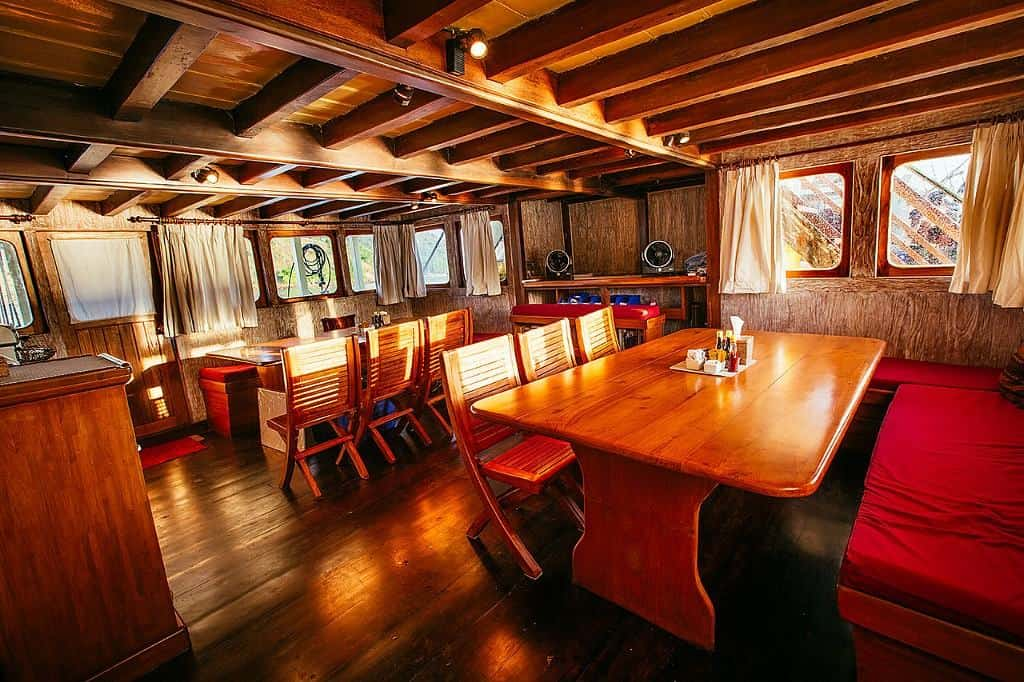 Indonesia liveaboard Diving holidays Seven Seas dining room