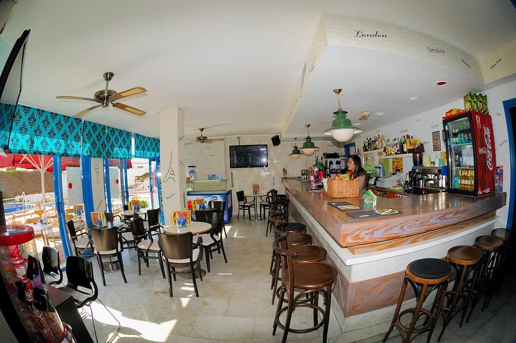 Lanzarote Diving holidays Costa Vulcan Bar Inside