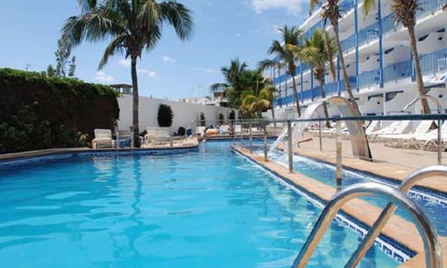Lanzarote Diving holidays Costa Vulcan pool