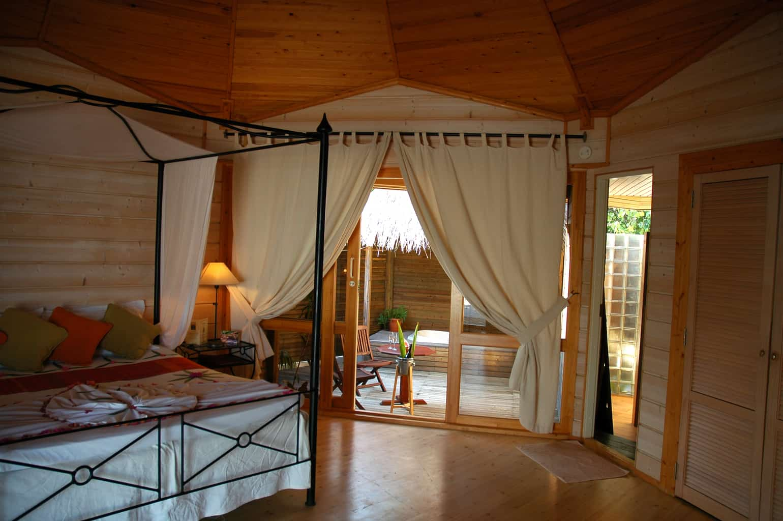 Maldives Diving Holiday Kuredu Sangu Jacu Beach Villa Interior