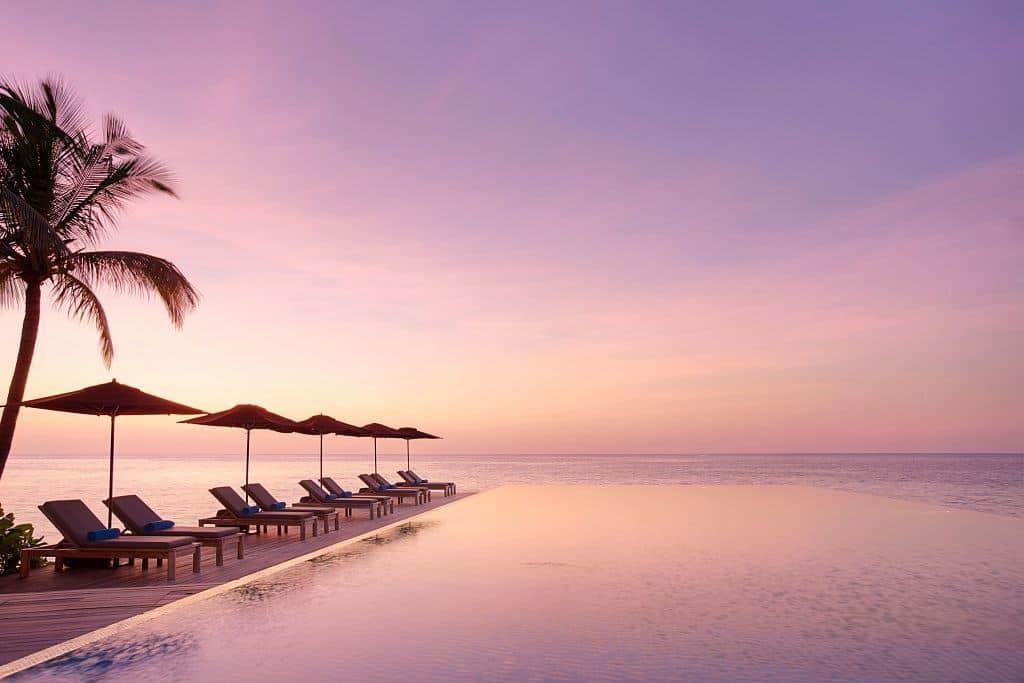 Maldives Diving Holiday Lux South Ari Pool Senses