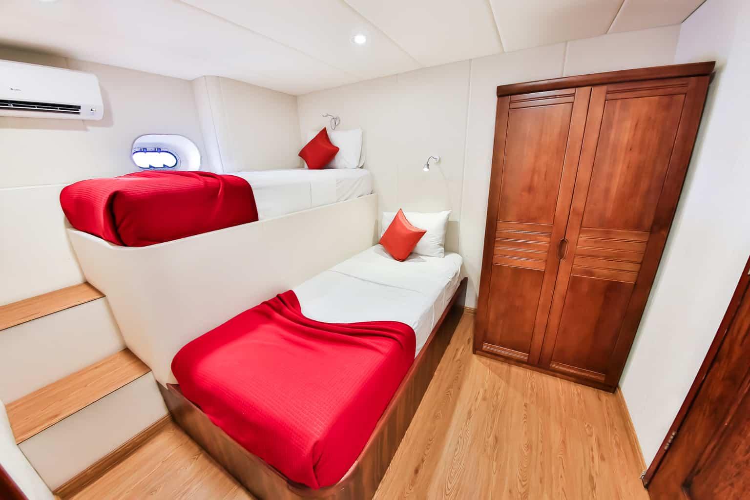 Maldives Liveaboard Holidays Carpe Diem twin cabin