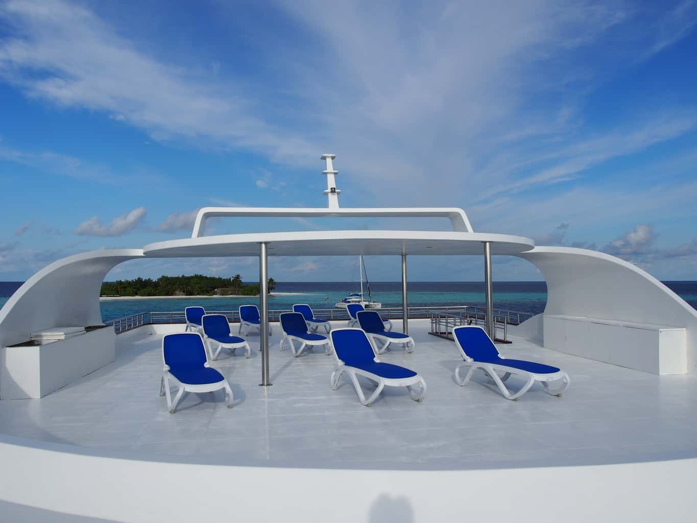 Maldives Liveaboard Holidays Emperor Serenity Deck and sun loungers