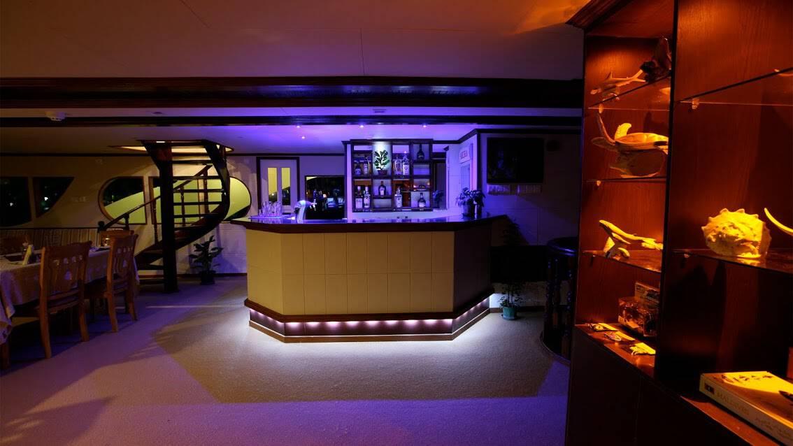Maldives Liveaboard Holidays Emperor Voyager Bar
