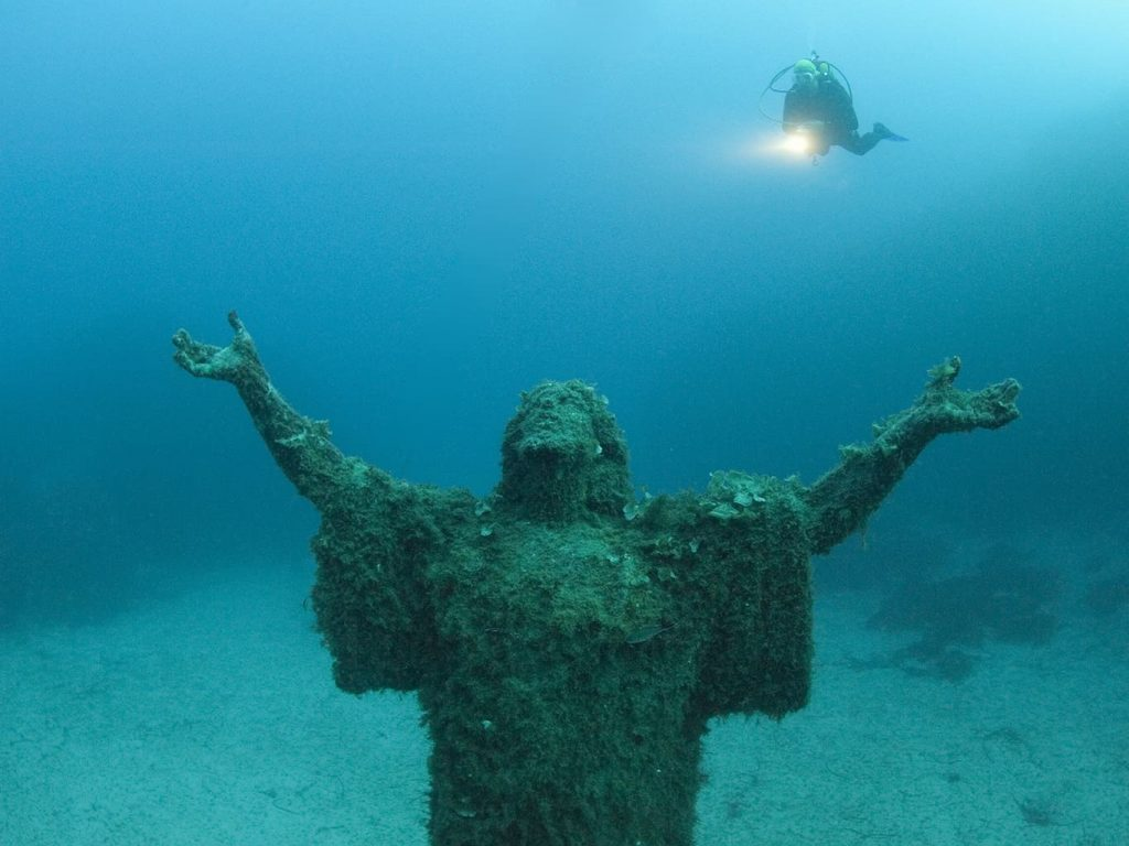 Malta and Gozo Diving holidays Statue and diver