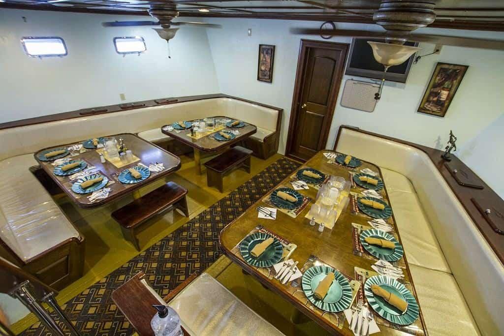 Mexico Socorro Liveaboard holidays Rocio Del Mar Dining room