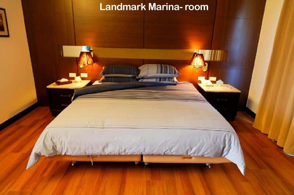 Palau Liveaboard Diving holiday Landmark Marina room