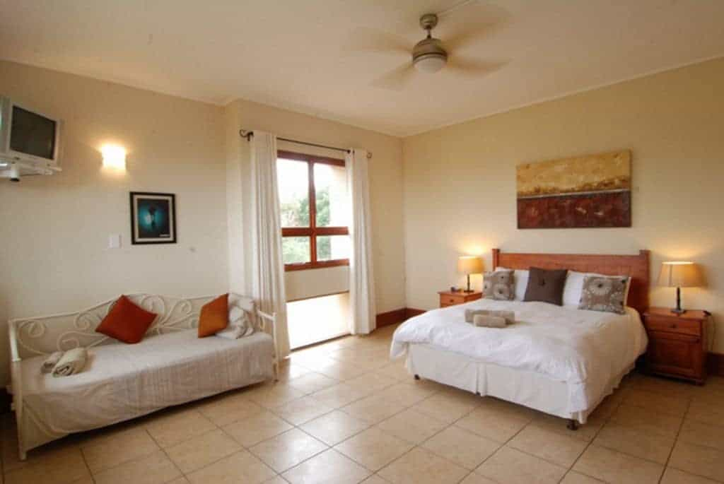 South Africa Diving Holiday Aliwal Shoal Agulhas house double bedroom
