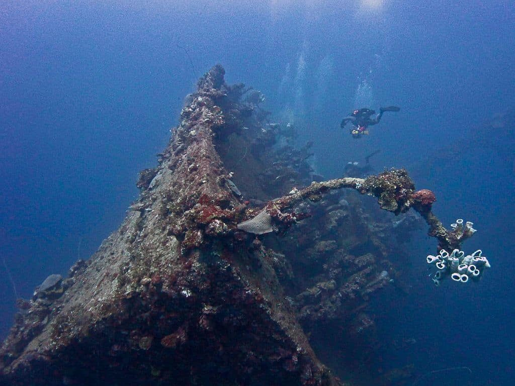 Truk Wreck Diving Liveaboard Holiday divers on wreck