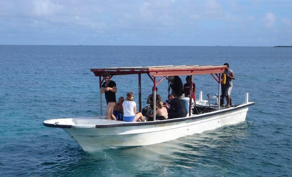 Truk Wreck Diving liveaboard holiday Truk stop hotel diving tender