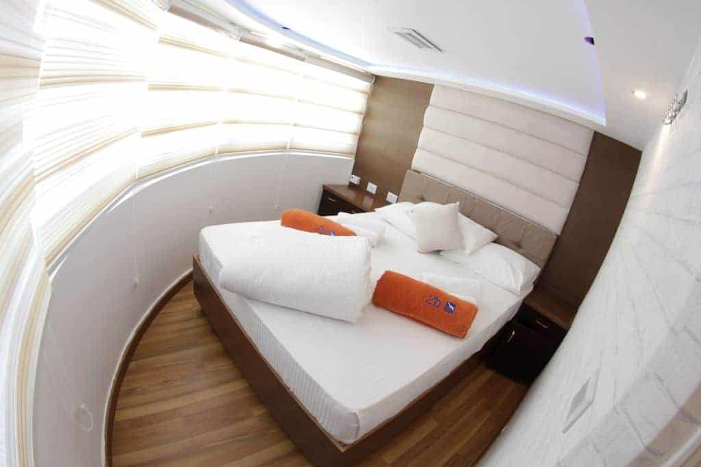 Red Sea Liveaboard Holiday Upper Double Panorama Suite
