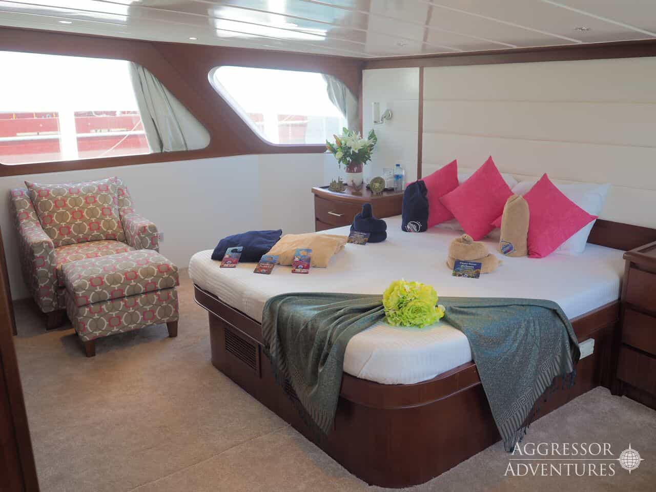 Oman Liveaboard Diving Holiday Oman Aggressor double suite