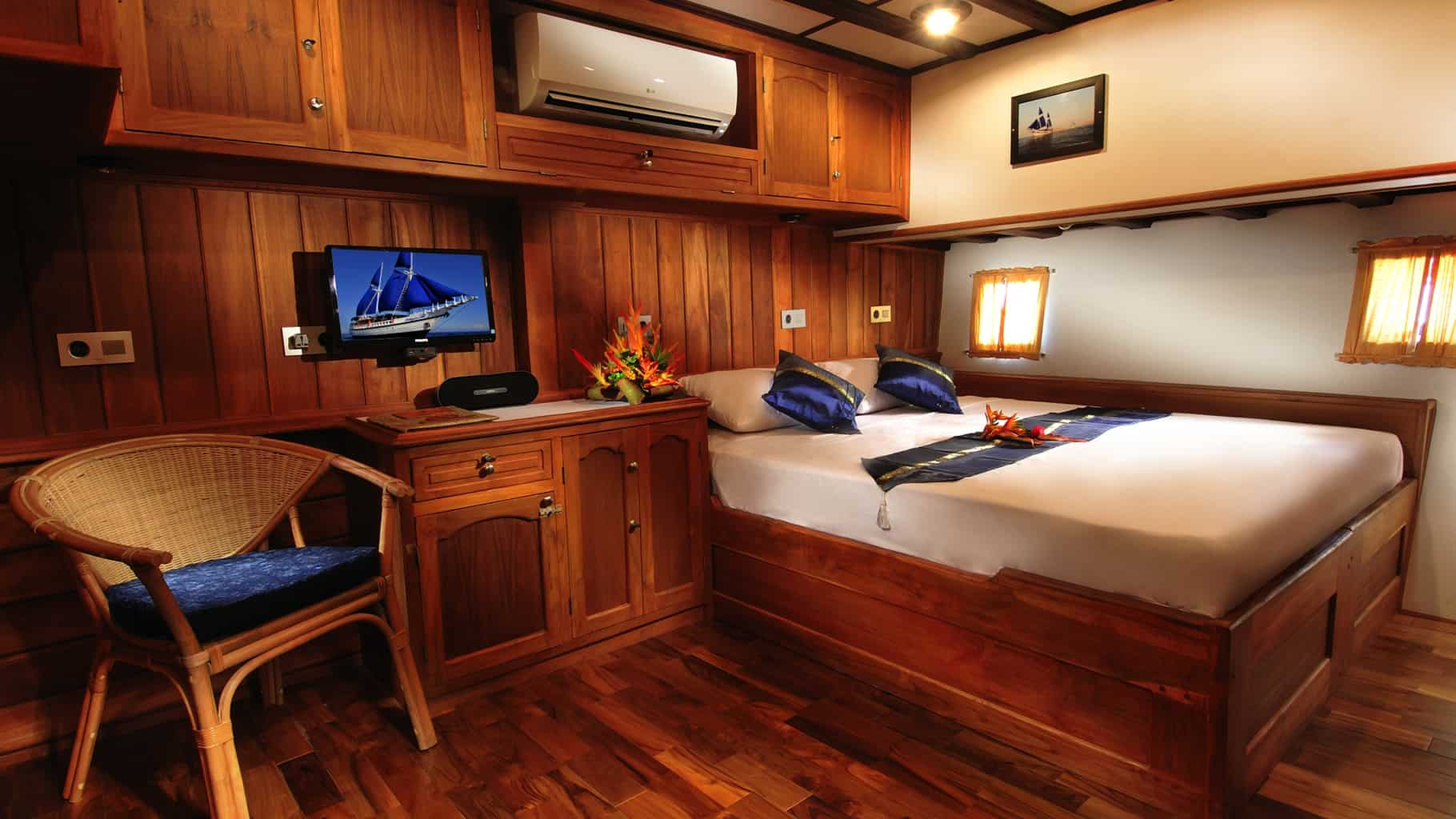 Philippines Liveaboard Dive Holiday Philippine Siren Double Cabin