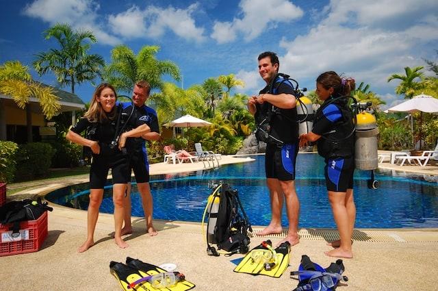 Thailand Diving Holidays Khao Lak Palm Garden divers