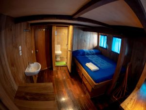 Indonesia liveaboard Diving holidays Pindito owners cabin