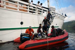 Indonesia liveaboard Diving holidays Pindito tender