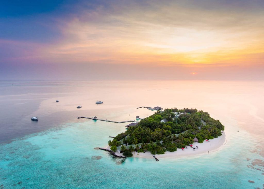 Maldives Diving Holiday Eriyadu Island Resort - Sunset