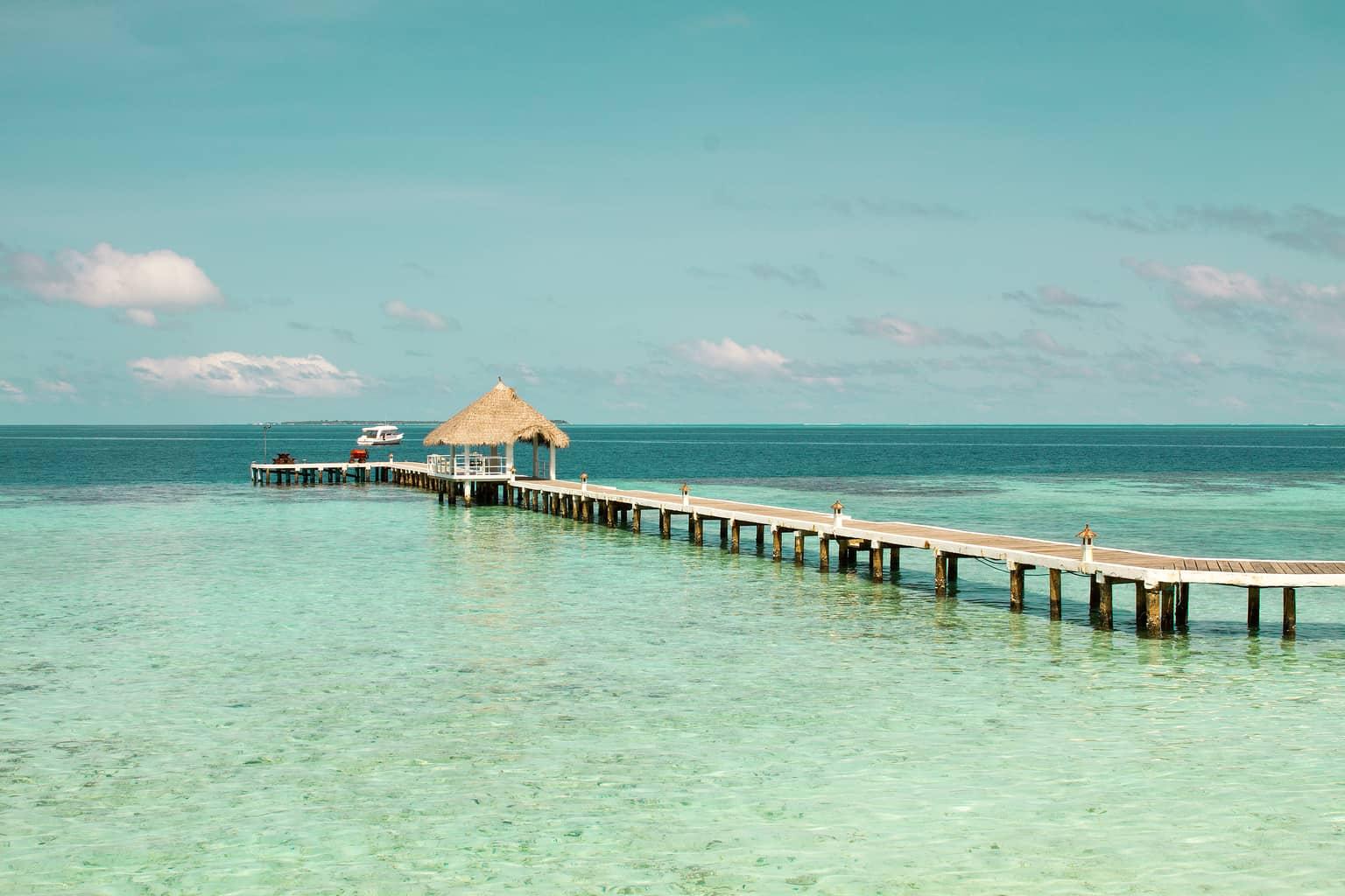 Maldives Diving Holiday Eriyadu Island pier ocean